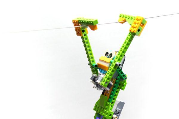 (13.12.) Nadaljevalni tečaj robotike z WeDo 2.0 v Ajdovščini ( za otroke stare od 6 do 10 let)